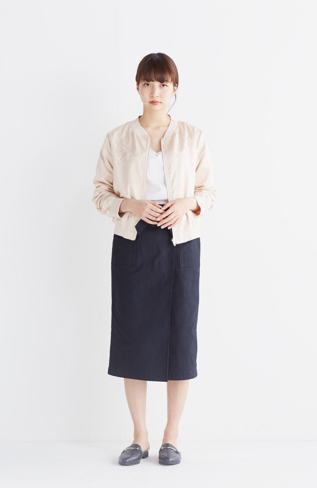 nusy 【mer6月号掲載】リバーシブルで着やすい 梅にうぐいす刺しゅうの華やかブルゾン <ピンクベージュ>の商品写真9