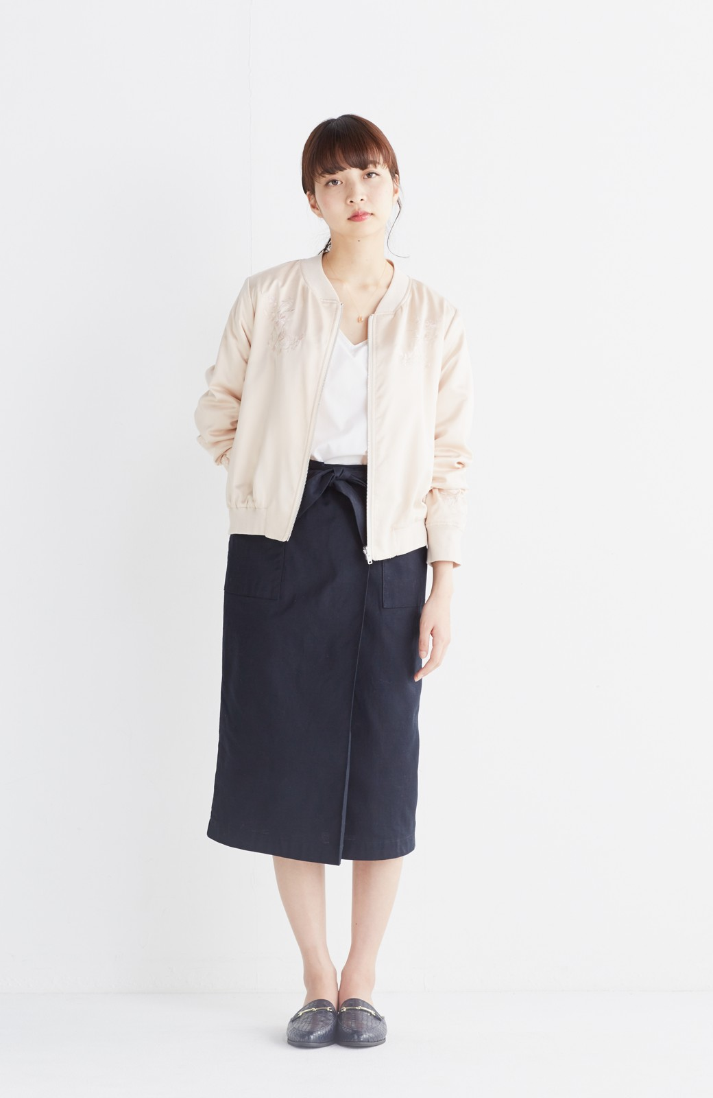 nusy 【mer6月号掲載】リバーシブルで着やすい 梅にうぐいす刺しゅうの華やかブルゾン <ピンクベージュ>の商品写真10