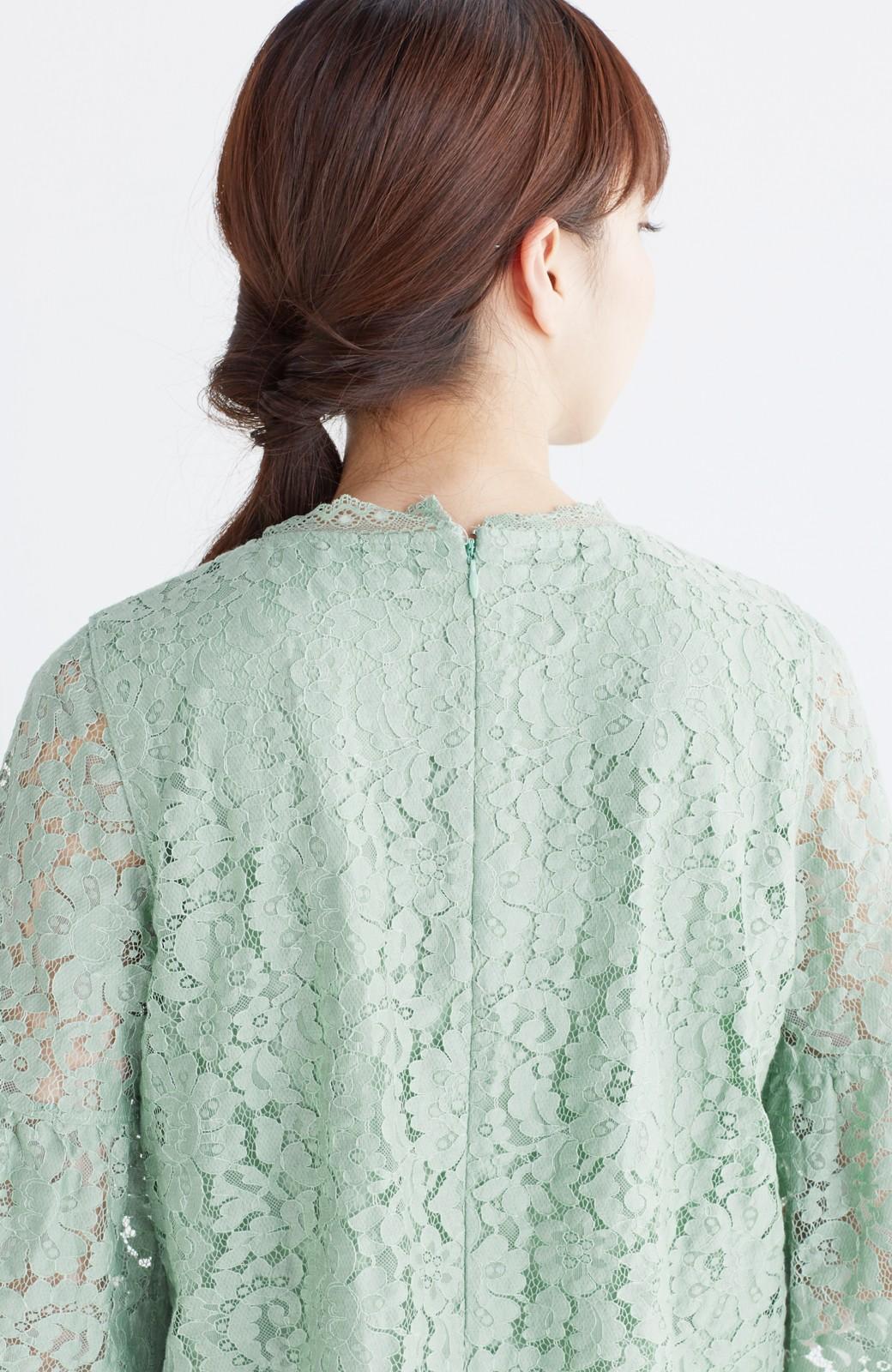 エムトロワ パッと着て華やぐ フレアースリーブのレースブラウス <グリーン>の商品写真14