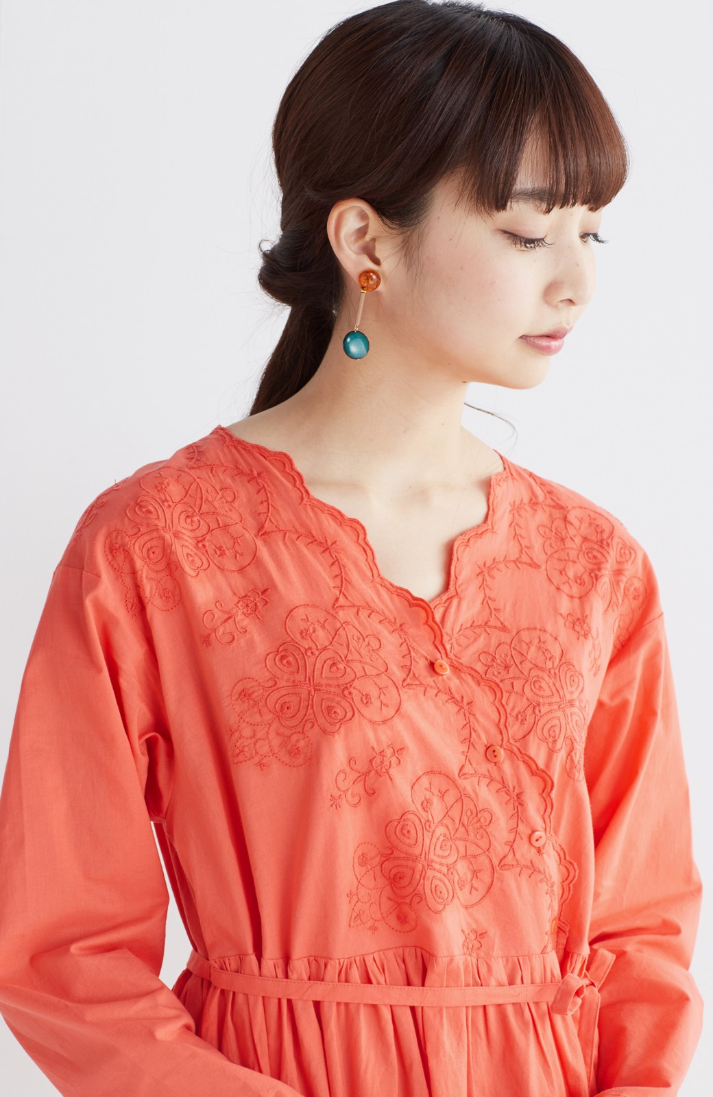 エムトロワ 羽織りにもなるスカラップレースカシュクールワンピース <オレンジ系その他>の商品写真15
