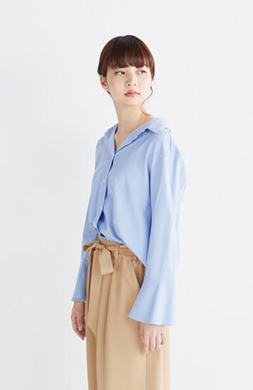 エムトロワ  これ1枚で女っぽさを手に入れるなめらか素材の袖フレアーシャツ <サックスブルー>の商品写真