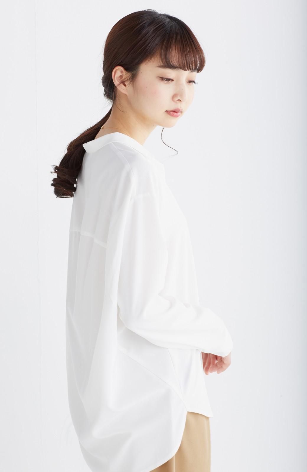 エムトロワ 女らしくてかっこいい スキッパー&抜き衿のとろみシャツ <ホワイト>の商品写真10