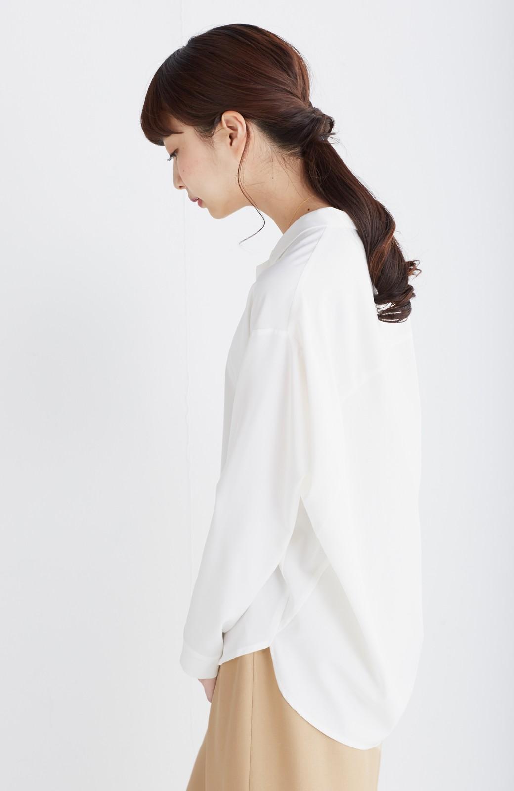 エムトロワ 女らしくてかっこいい スキッパー&抜き衿のとろみシャツ <ホワイト>の商品写真11