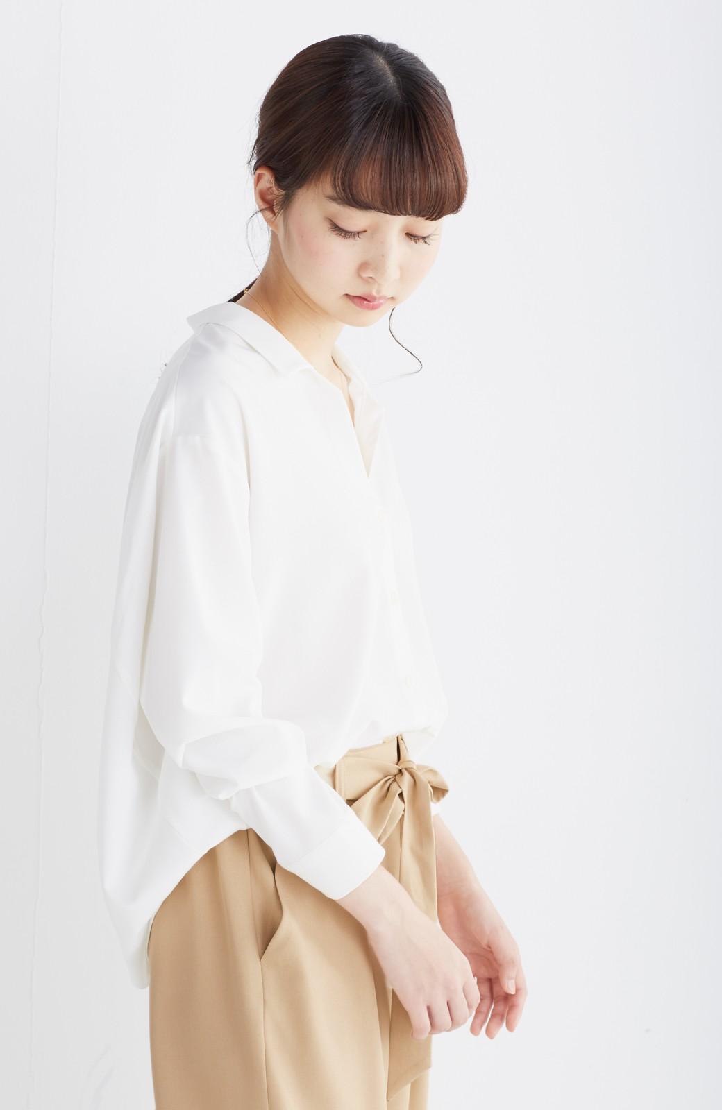 エムトロワ 女らしくてかっこいい スキッパー&抜き衿のとろみシャツ <ホワイト>の商品写真12