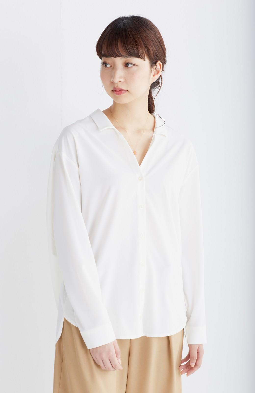 エムトロワ 女らしくてかっこいい スキッパー&抜き衿のとろみシャツ <ホワイト>の商品写真18