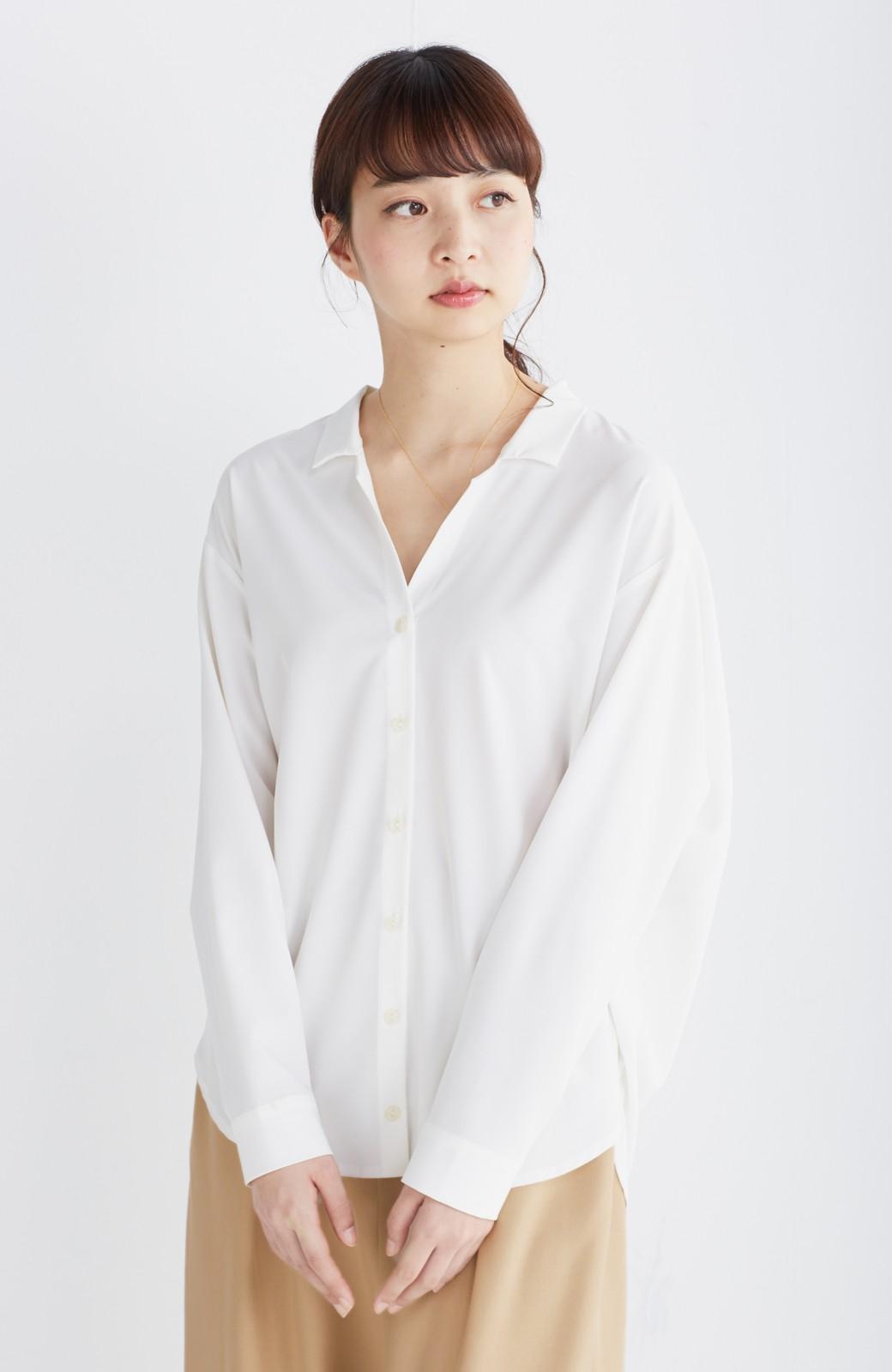 エムトロワ 女らしくてかっこいい スキッパー&抜き衿のとろみシャツ <ホワイト>の商品写真19