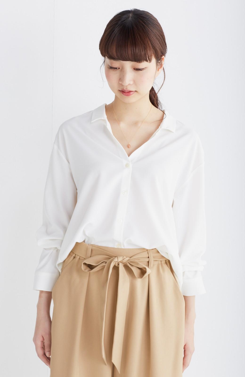 エムトロワ 女らしくてかっこいい スキッパー&抜き衿のとろみシャツ <ホワイト>の商品写真7