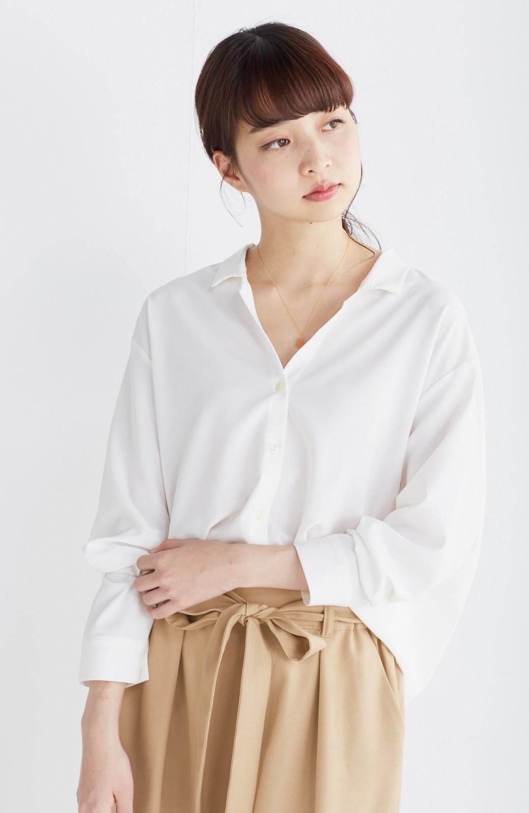 エムトロワ 女らしくてかっこいい スキッパー&抜き衿のとろみシャツ <ホワイト>の商品写真9