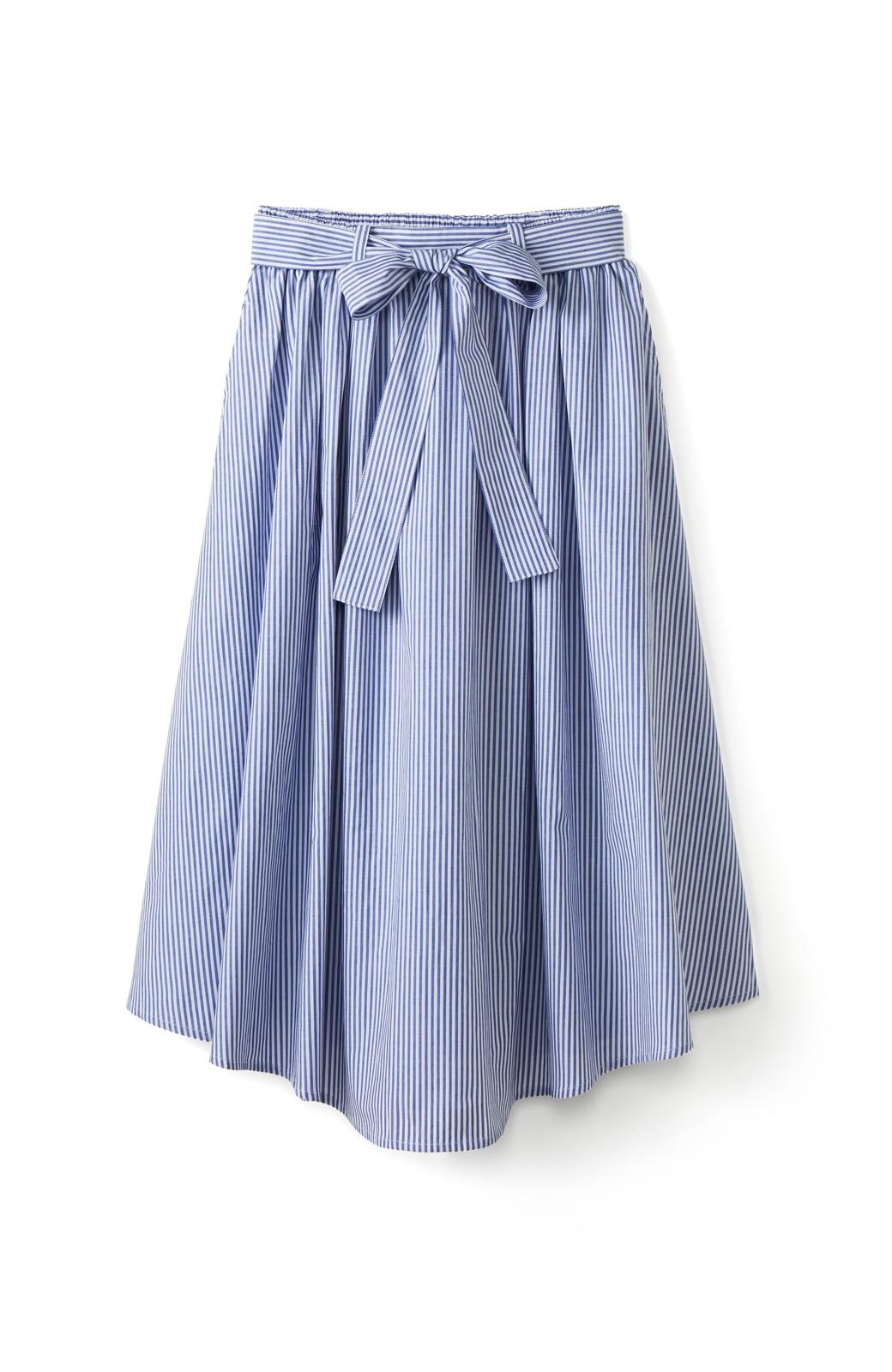 エムトロワ 抜き衿シャツ&ふんわりスカートの総柄セットアップ <ホワイト×ブルー>の商品写真3