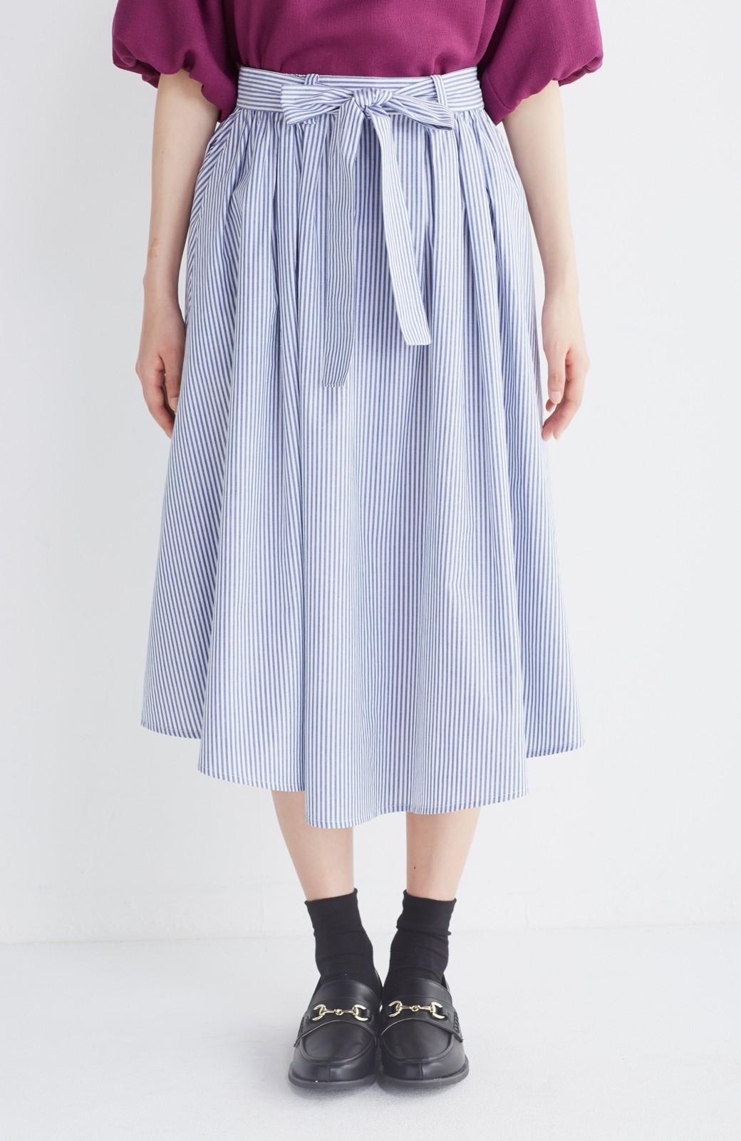 エムトロワ 抜き衿シャツ&ふんわりスカートの総柄セットアップ <ホワイト×ブルー>の商品写真39