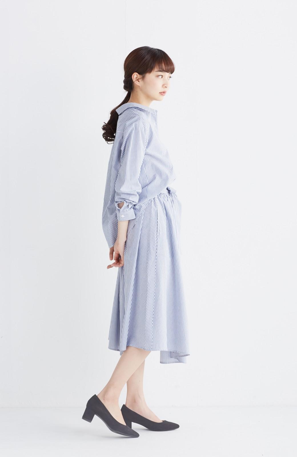 エムトロワ 抜き衿シャツ&ふんわりスカートの総柄セットアップ <ホワイト×ブルー>の商品写真14