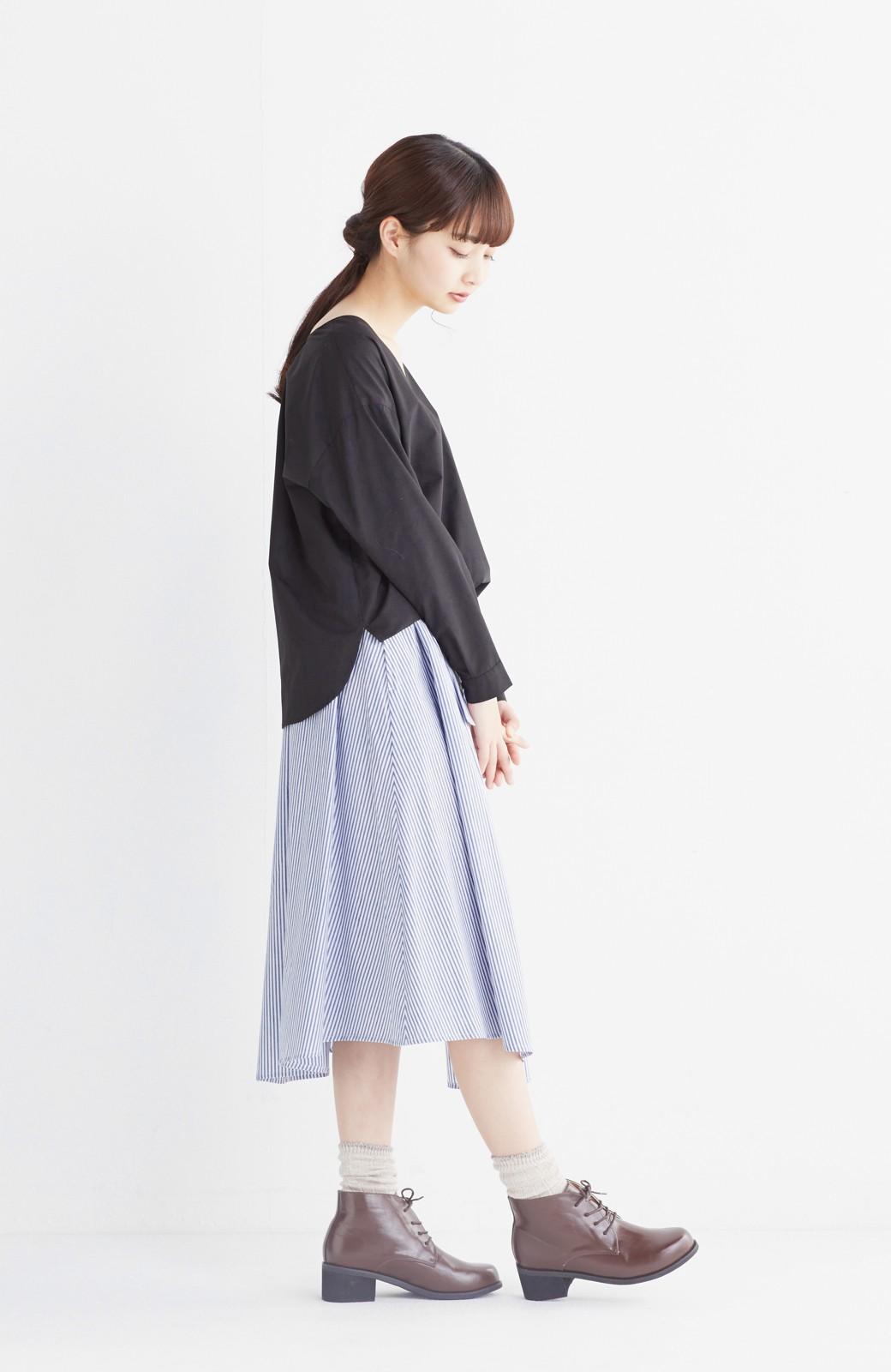 エムトロワ 抜き衿シャツ&ふんわりスカートの総柄セットアップ <ホワイト×ブルー>の商品写真17
