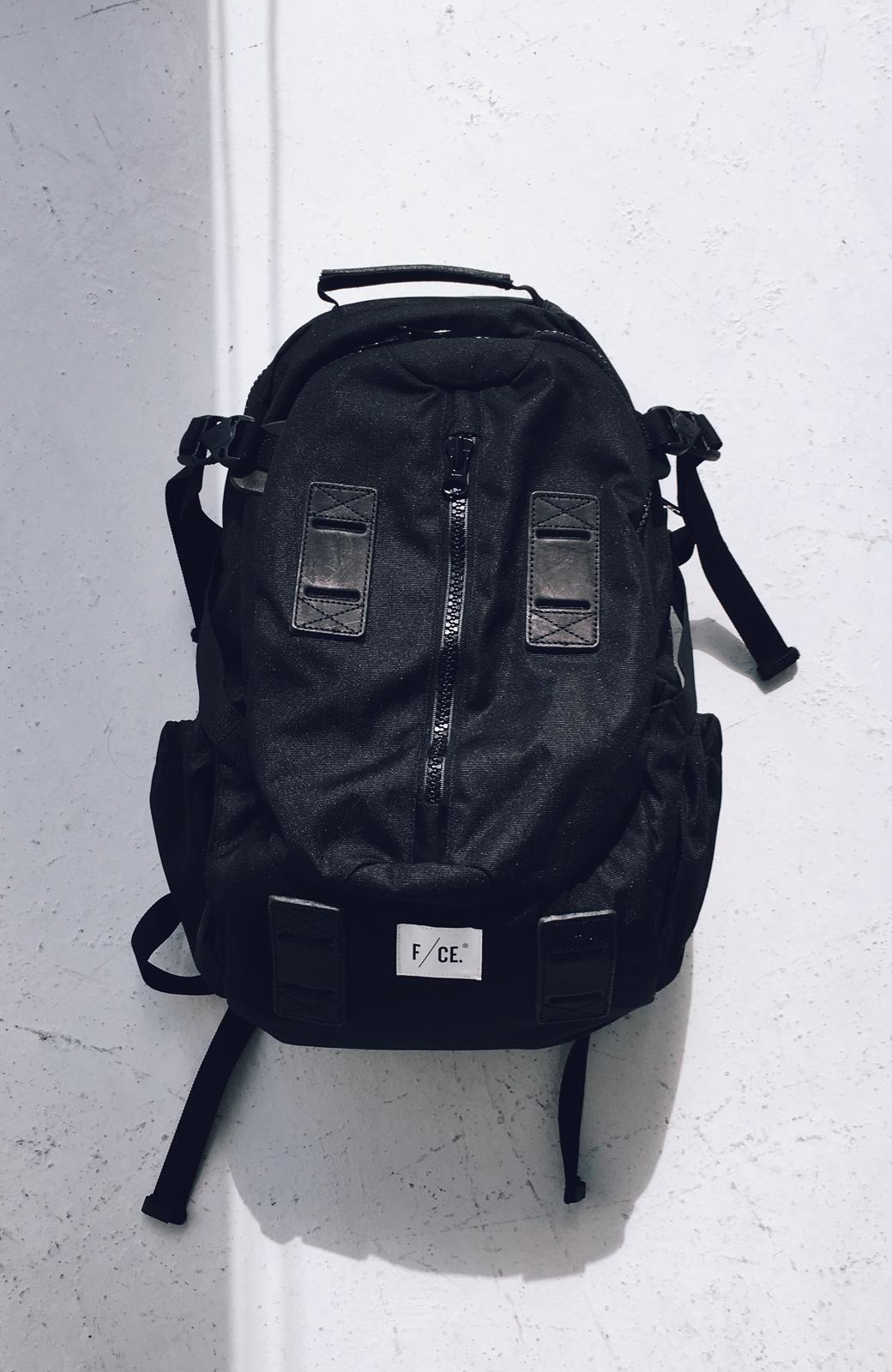 haco! F/CE.950 TRAVEL バックパック <ブラック>の商品写真1