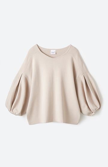 エムトロワ パッと着るだけで上品&今気分 きれいめ総針編みのぷっくり袖ニット <ベージュ>の商品写真
