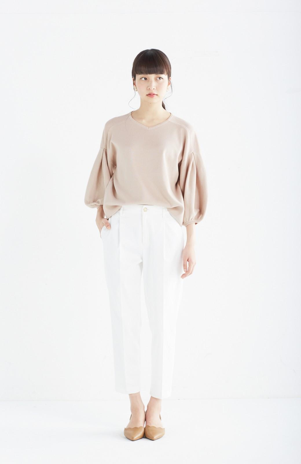 エムトロワ パッと着るだけで上品&今気分 きれいめ総針編みのぷっくり袖ニット <ベージュ>の商品写真4