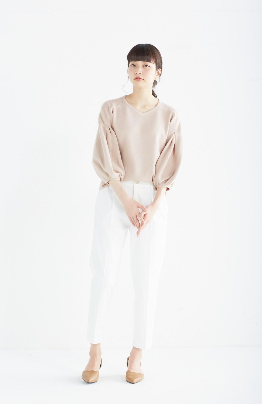 エムトロワ パッと着るだけで上品&今気分 きれいめ総針編みのぷっくり袖ニット <ベージュ>の商品写真5