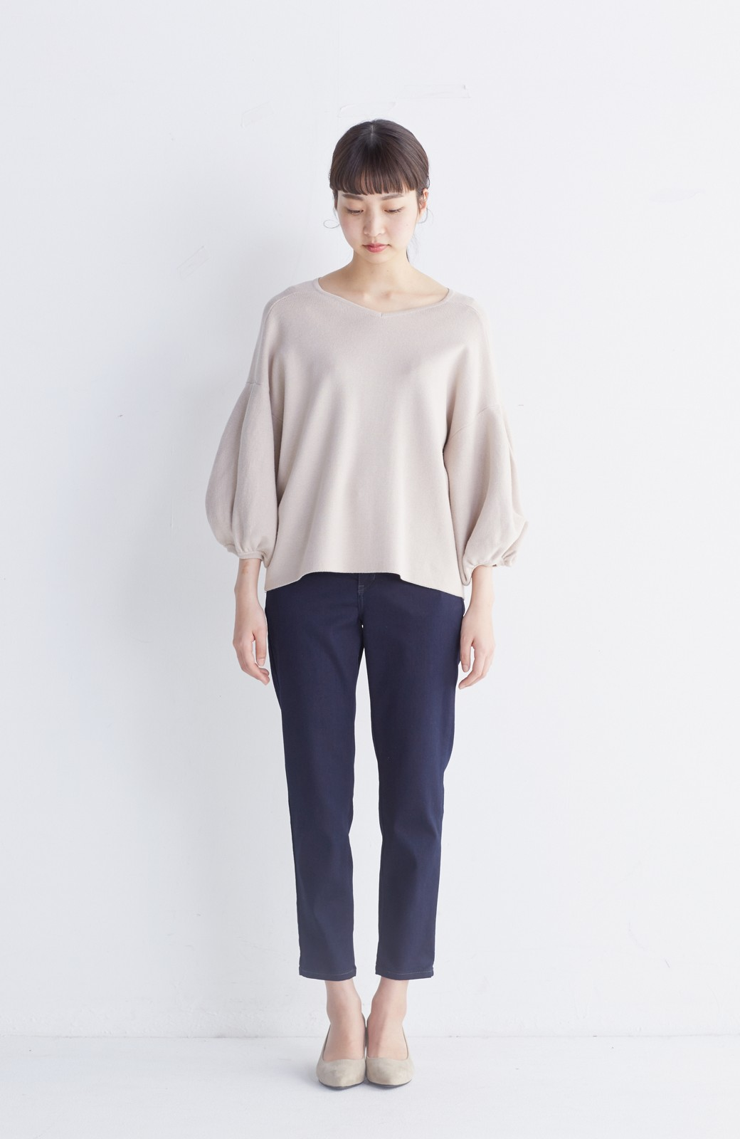 エムトロワ パッと着るだけで上品&今気分 きれいめ総針編みのぷっくり袖ニット <ベージュ>の商品写真6