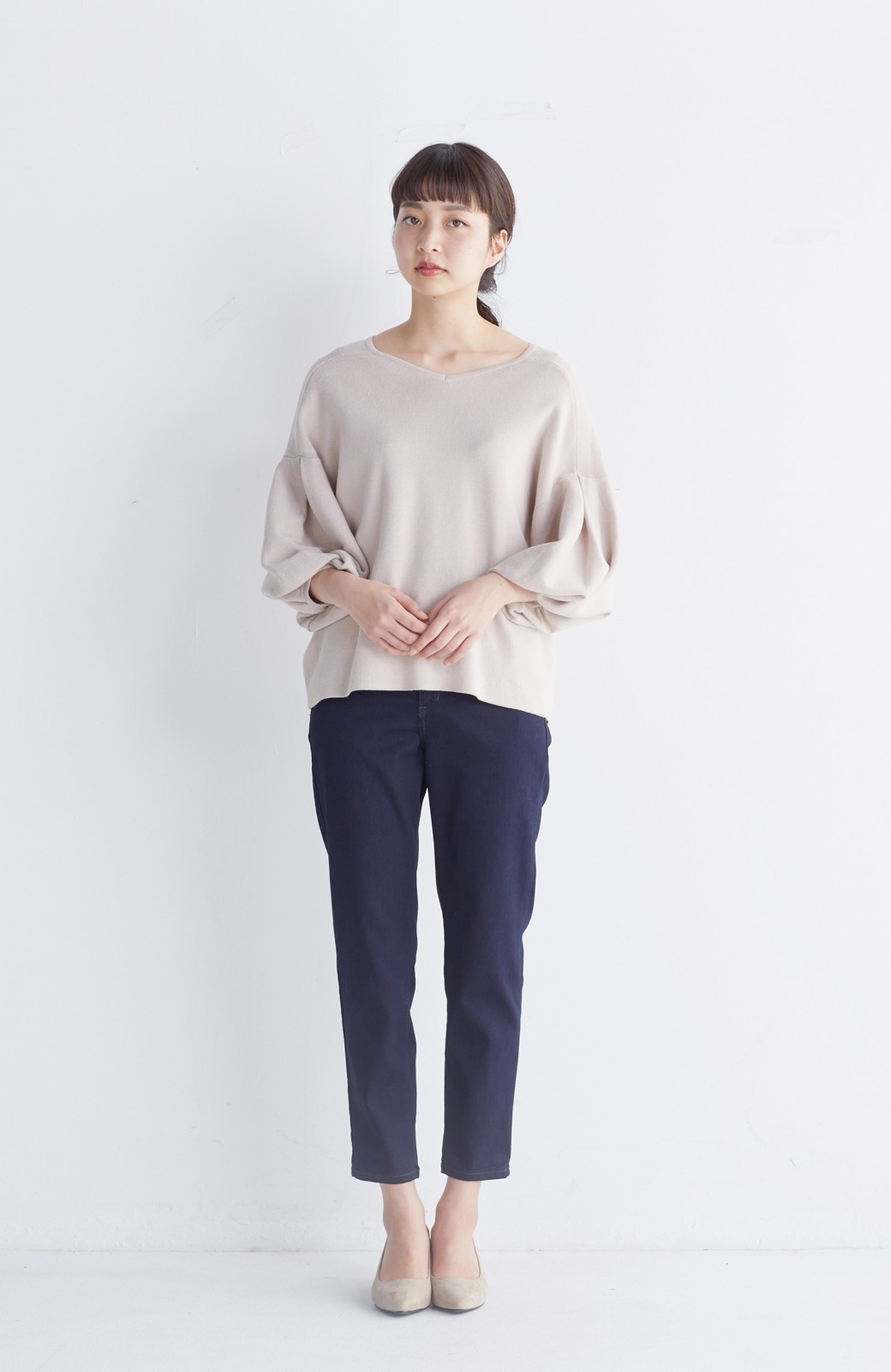 エムトロワ パッと着るだけで上品&今気分 きれいめ総針編みのぷっくり袖ニット <ベージュ>の商品写真7
