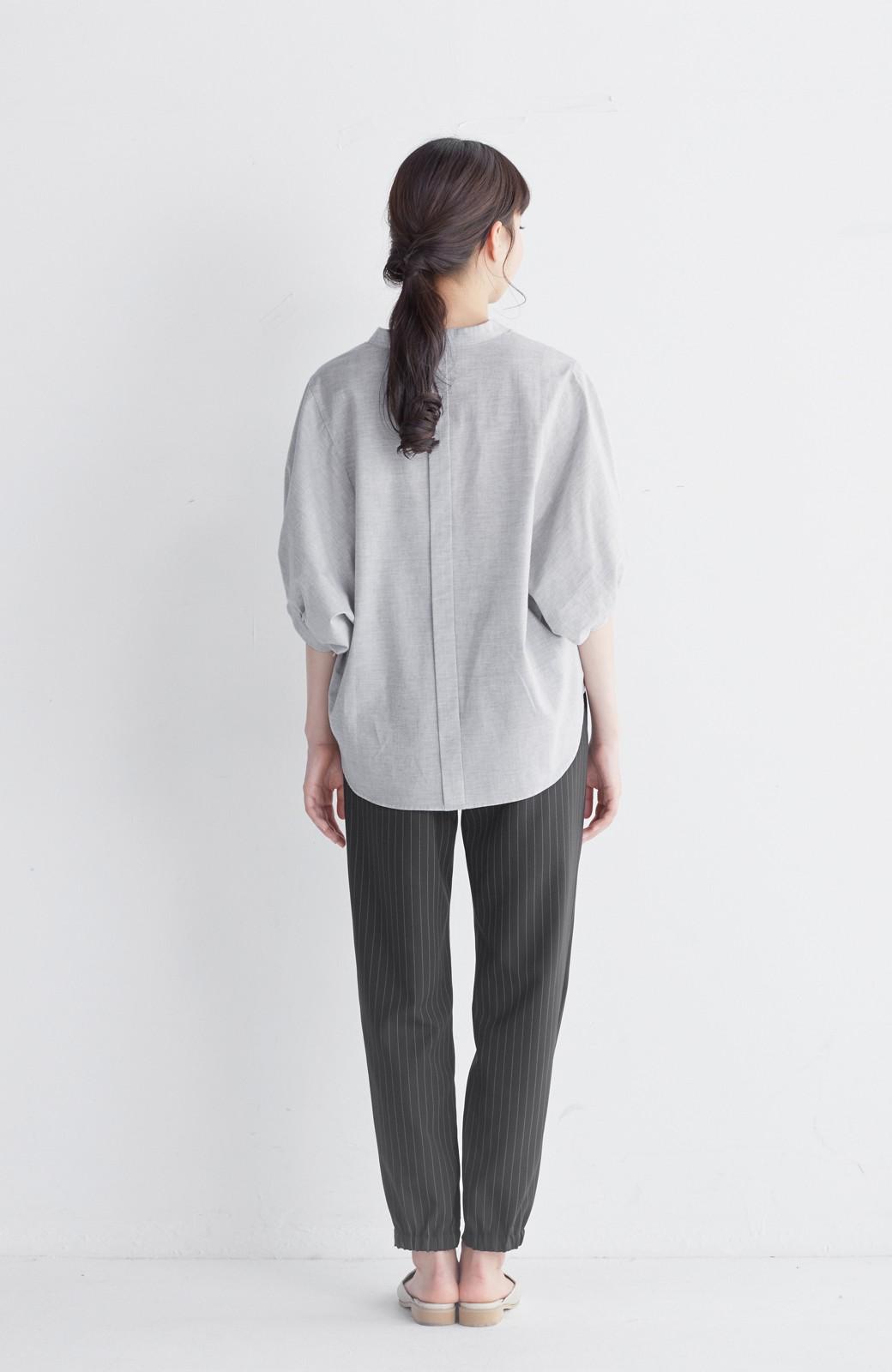 エムトロワ 大人かわいいぷっくり袖シャツ <グレー>の商品写真11