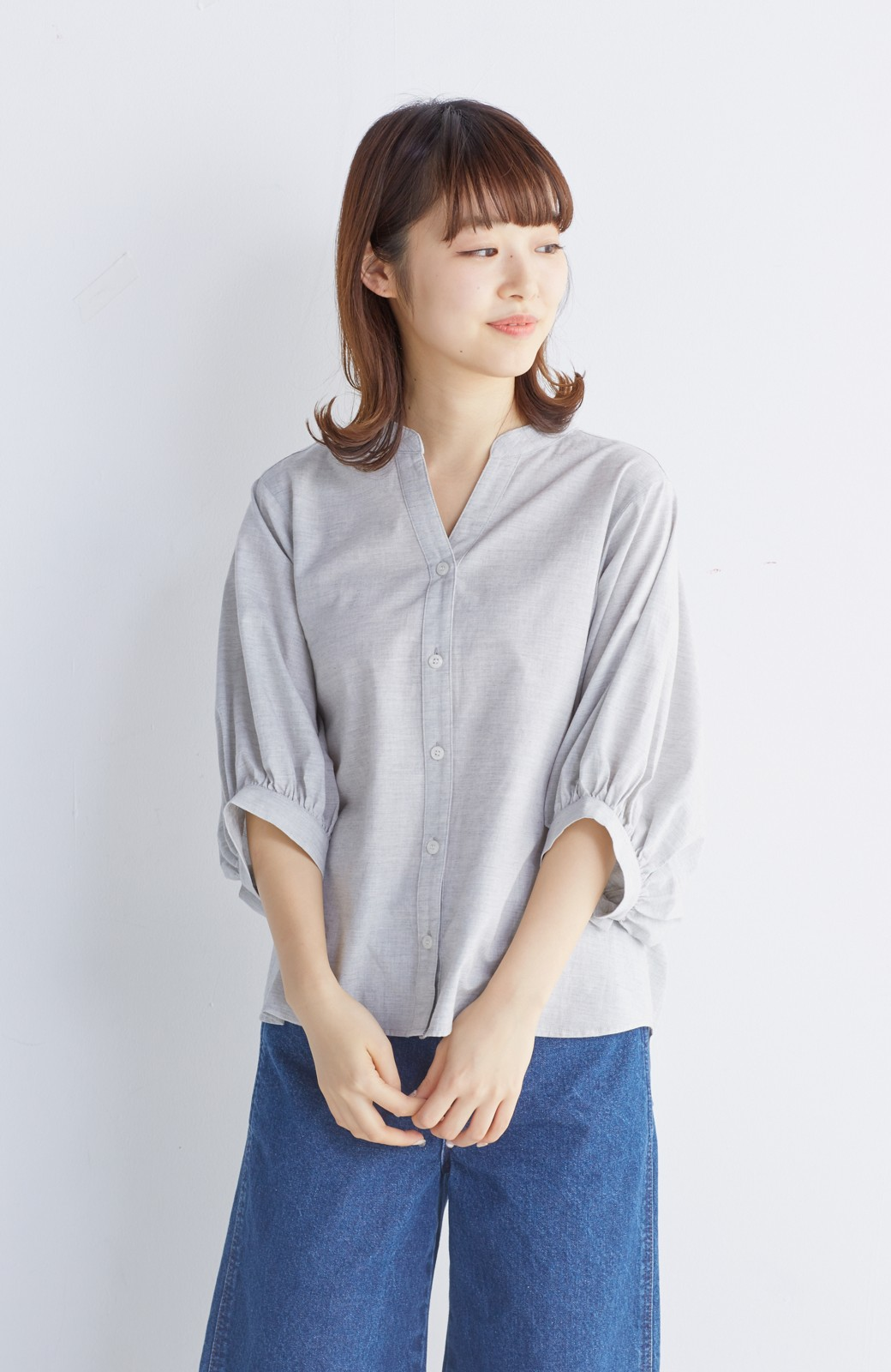 エムトロワ 大人かわいいぷっくり袖シャツ <グレー>の商品写真13