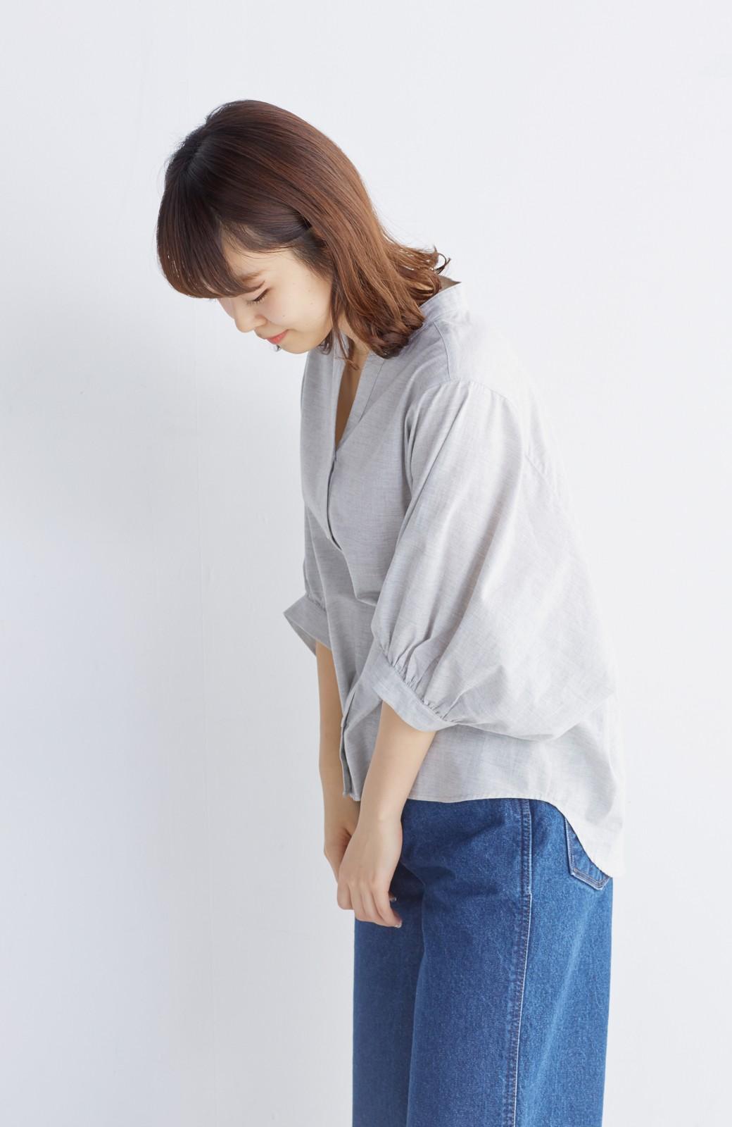 エムトロワ 大人かわいいぷっくり袖シャツ <グレー>の商品写真16