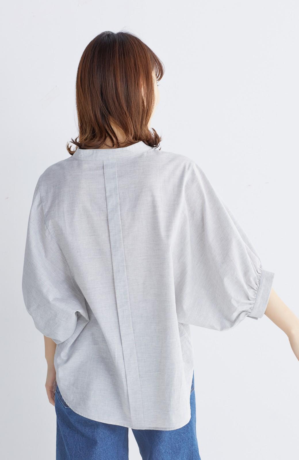 エムトロワ 大人かわいいぷっくり袖シャツ <グレー>の商品写真17