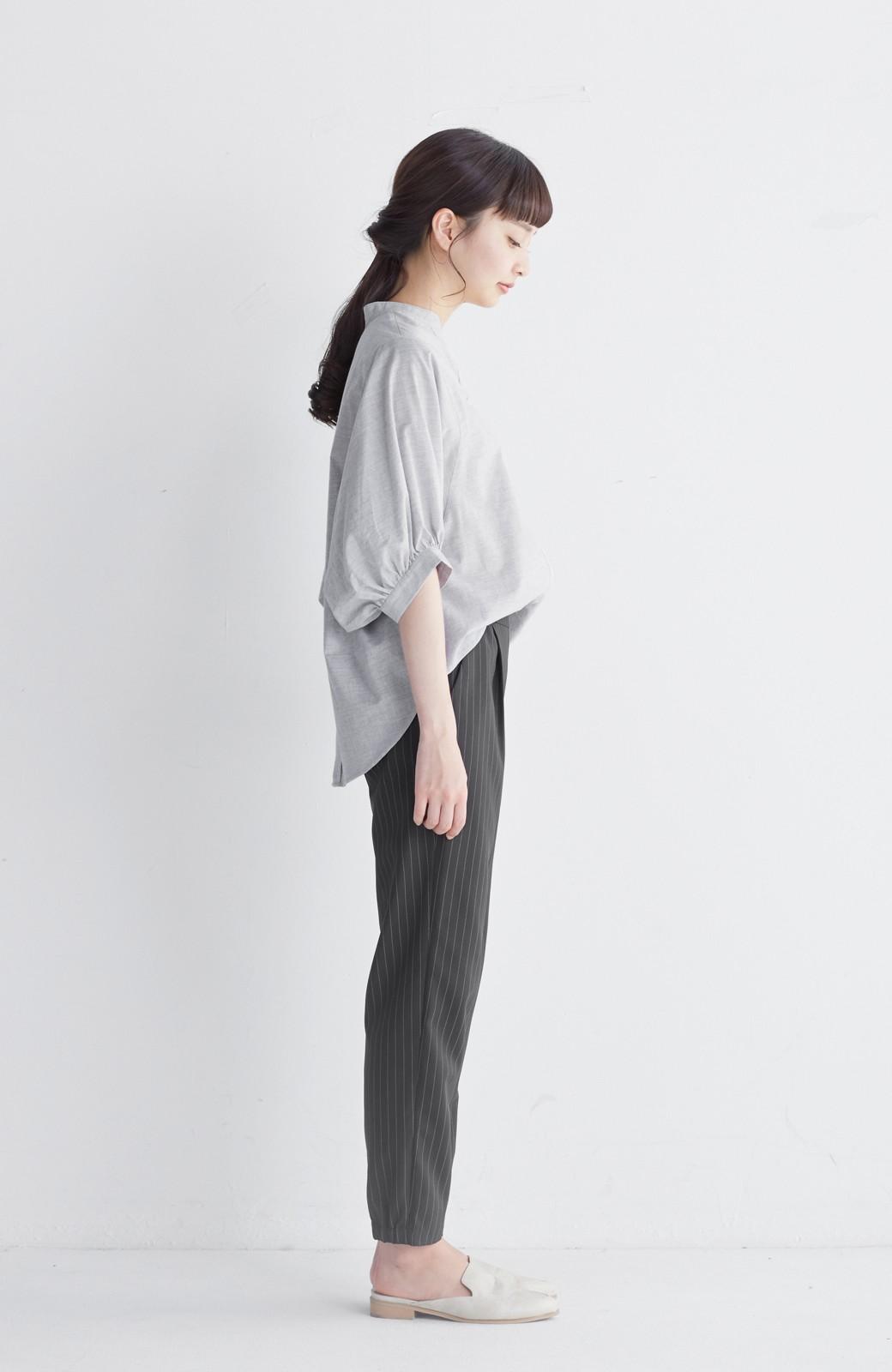 エムトロワ 大人かわいいぷっくり袖シャツ <グレー>の商品写真10