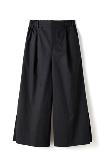 エムトロワ サイドチラ見えがすっと華奢に見せるタックワイドパンツ <ブラック>の商品写真