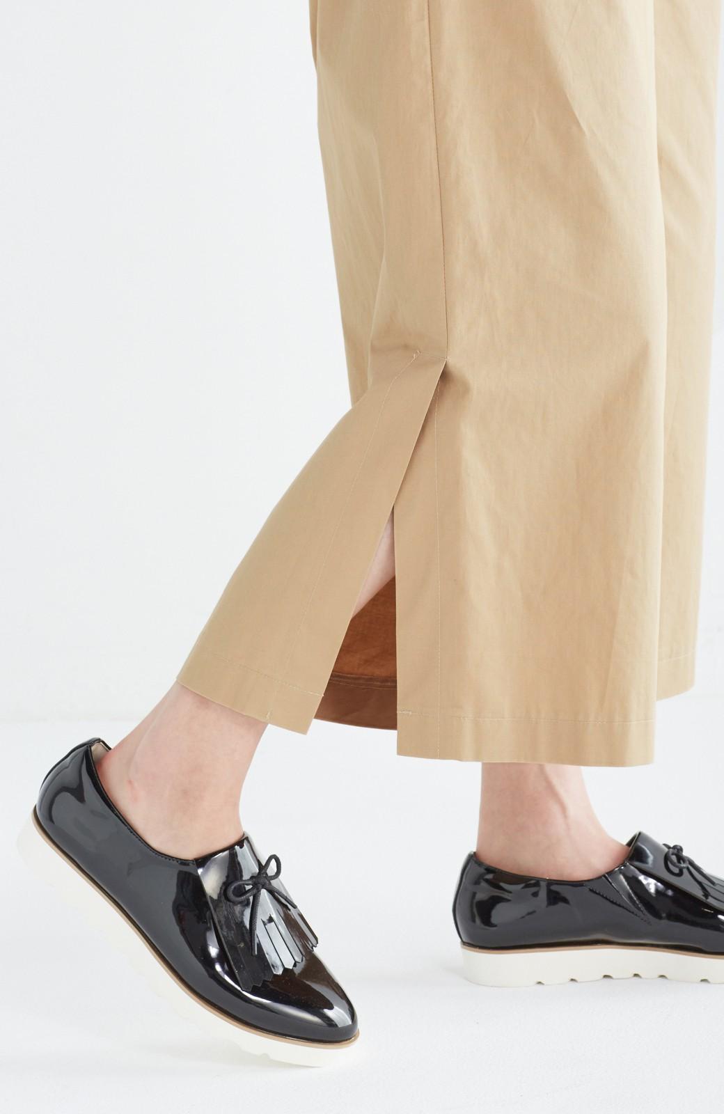 エムトロワ サイドチラ見えがすっと華奢に見せるタックワイドパンツ <ベージュ>の商品写真7