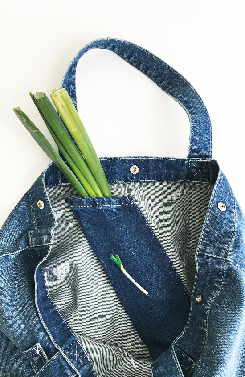 haco! Lee 大きい野菜もらくらく入るデニムショッピングバッグ <インディゴブルー>の商品写真4
