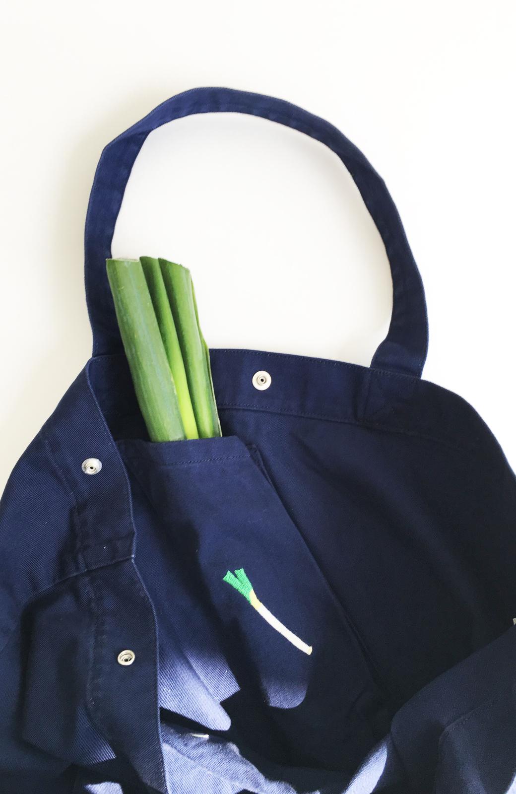 haco! Lee 大きい野菜もらくらく入るエコショッピングバッグ <ネイビー>の商品写真3