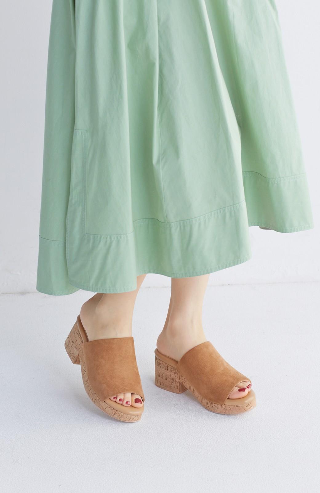 nusy 低&高反発で歩きやすい サボみたいにすぽっとはけるオープントゥサンダル <キャメル>の商品写真2