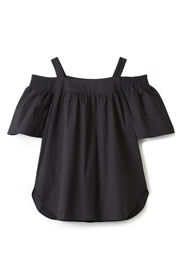 エムトロワ ちょっぴりスキを見せる肩紐付きオフショルダートップス <ブラック>の商品写真