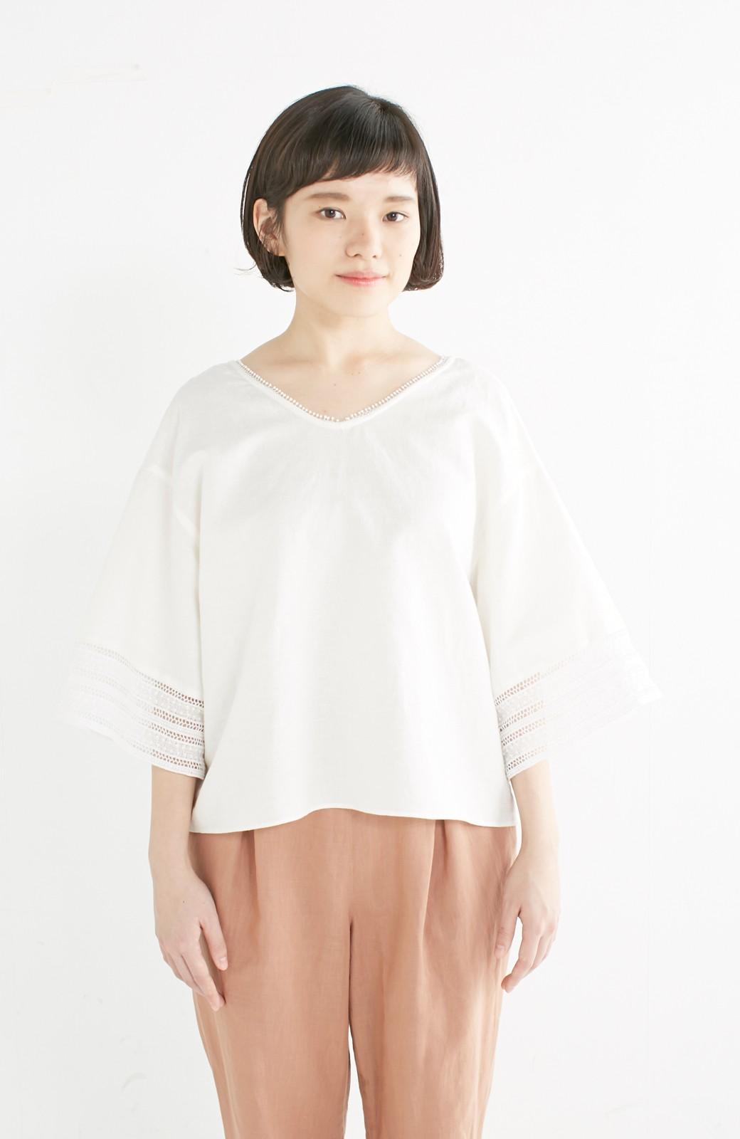 エムトロワ 着るほどになじむ 綿麻素材の袖レーストップス <ホワイト>の商品写真9