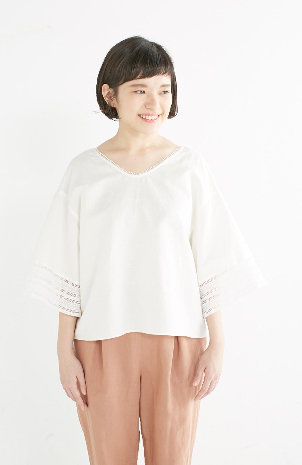 エムトロワ 着るほどになじむ 綿麻素材の袖レーストップス <ホワイト>の商品写真10