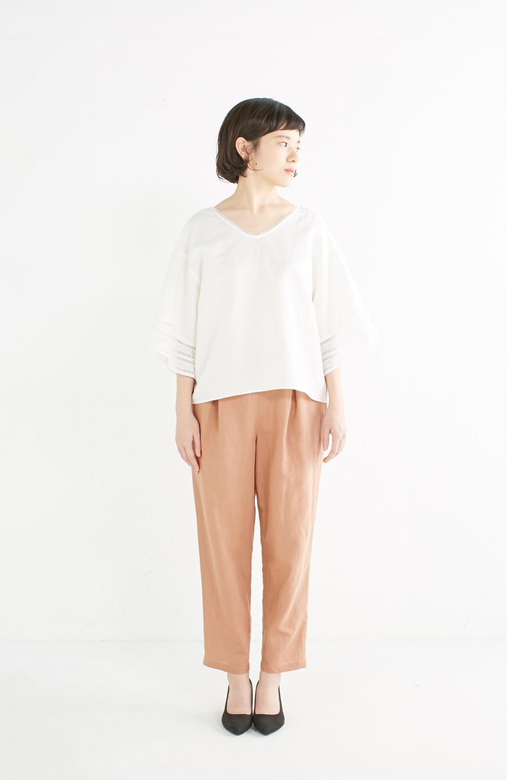 エムトロワ 着るほどになじむ 綿麻素材の袖レーストップス <ホワイト>の商品写真3