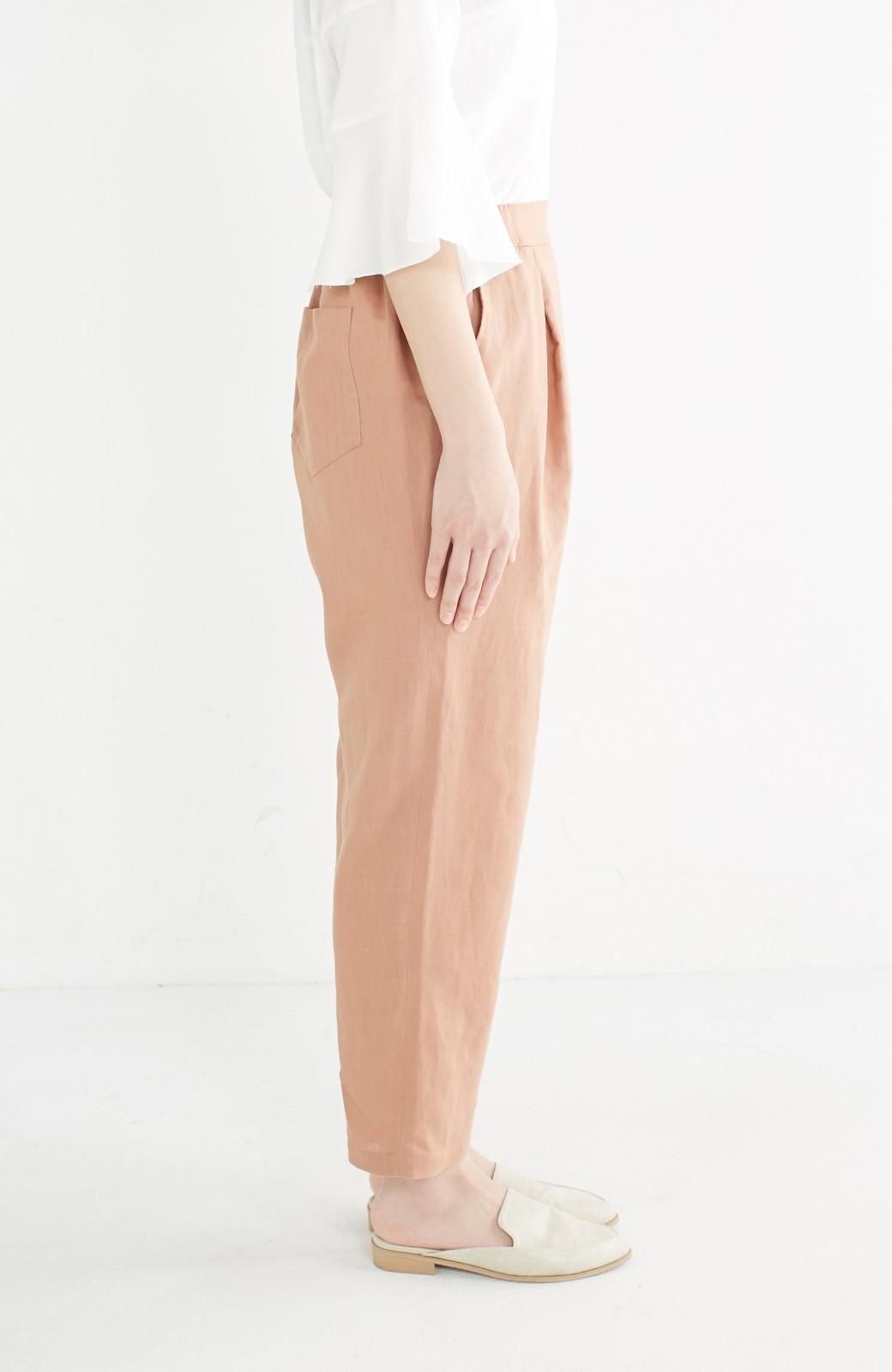 nusy 着るほどになじむ 綿麻素材のテーパードパンツ <ピンクベージュ>の商品写真4