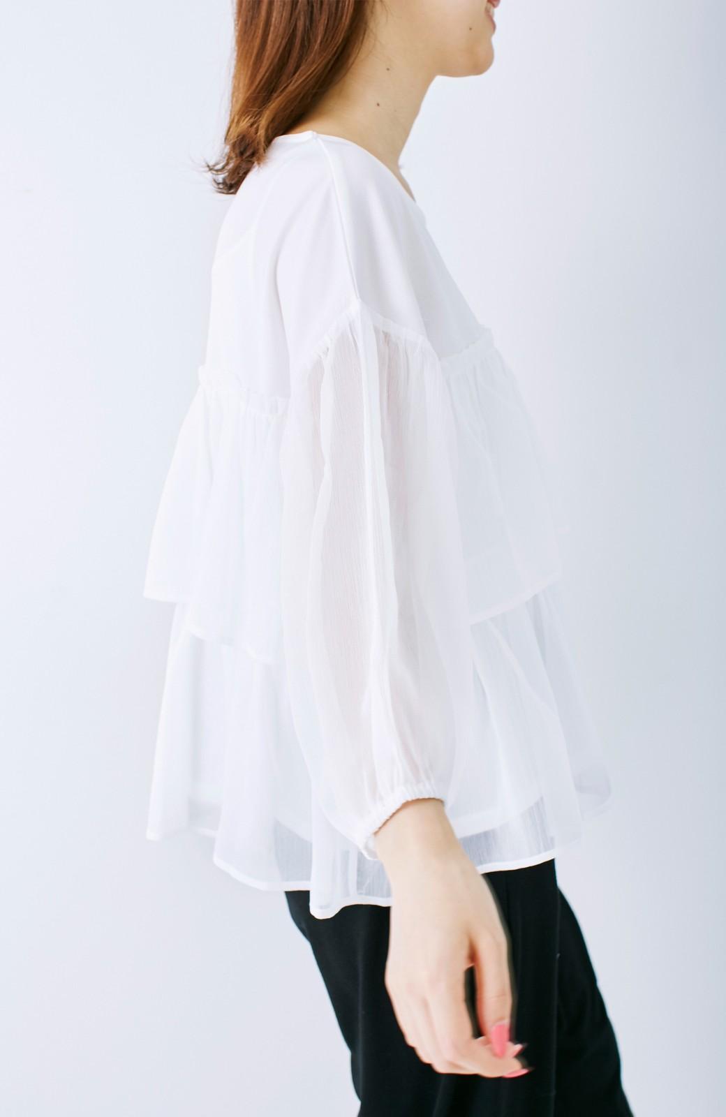 エムトロワ さらっと着られて女子気分があがる 異素材づかいのフリルトップス <ホワイト>の商品写真13