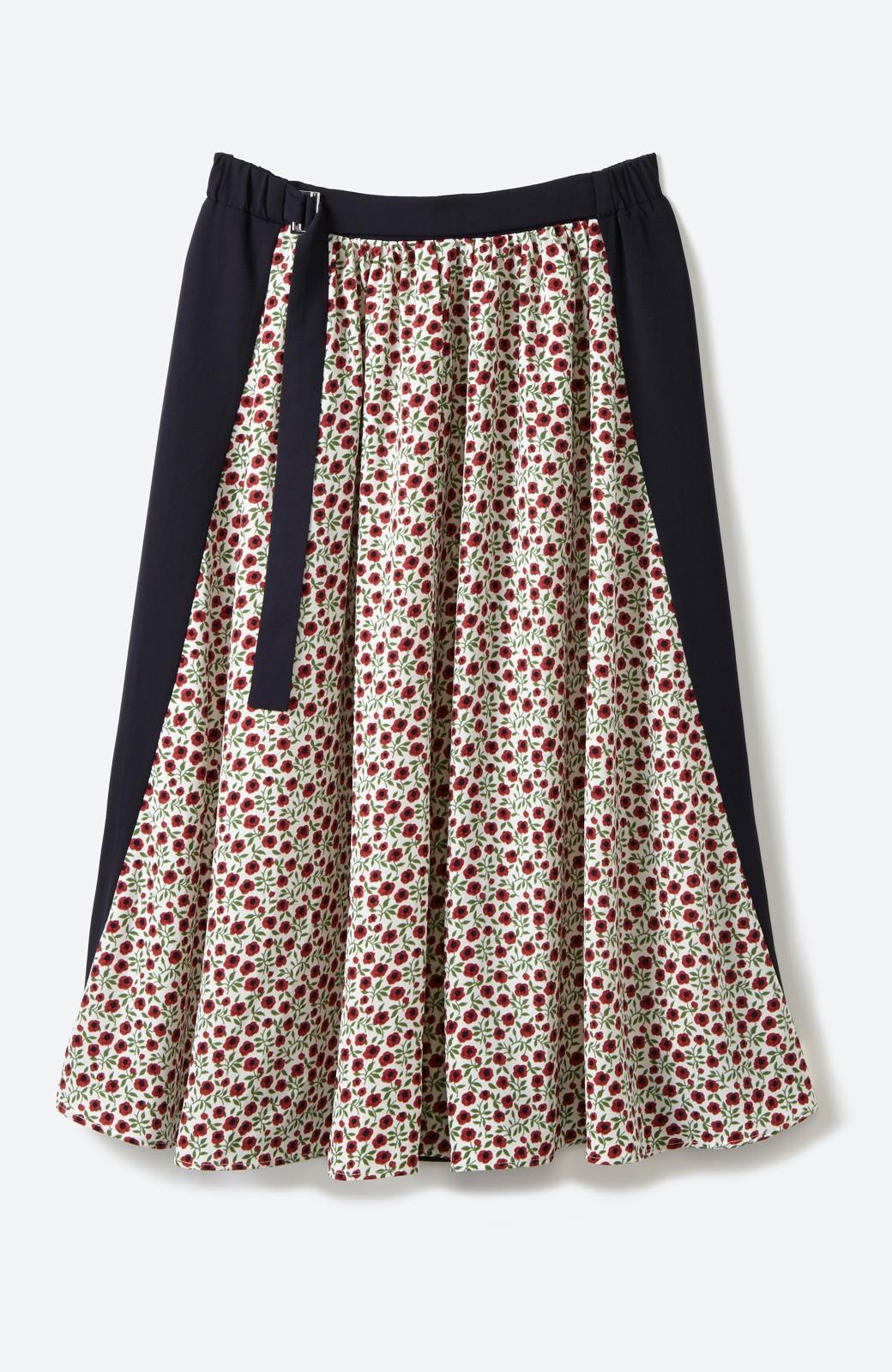 エムトロワ 大人っぽく柄を楽しめる 花柄&カラーコンビのフレアースカート <ネイビー>の商品写真1