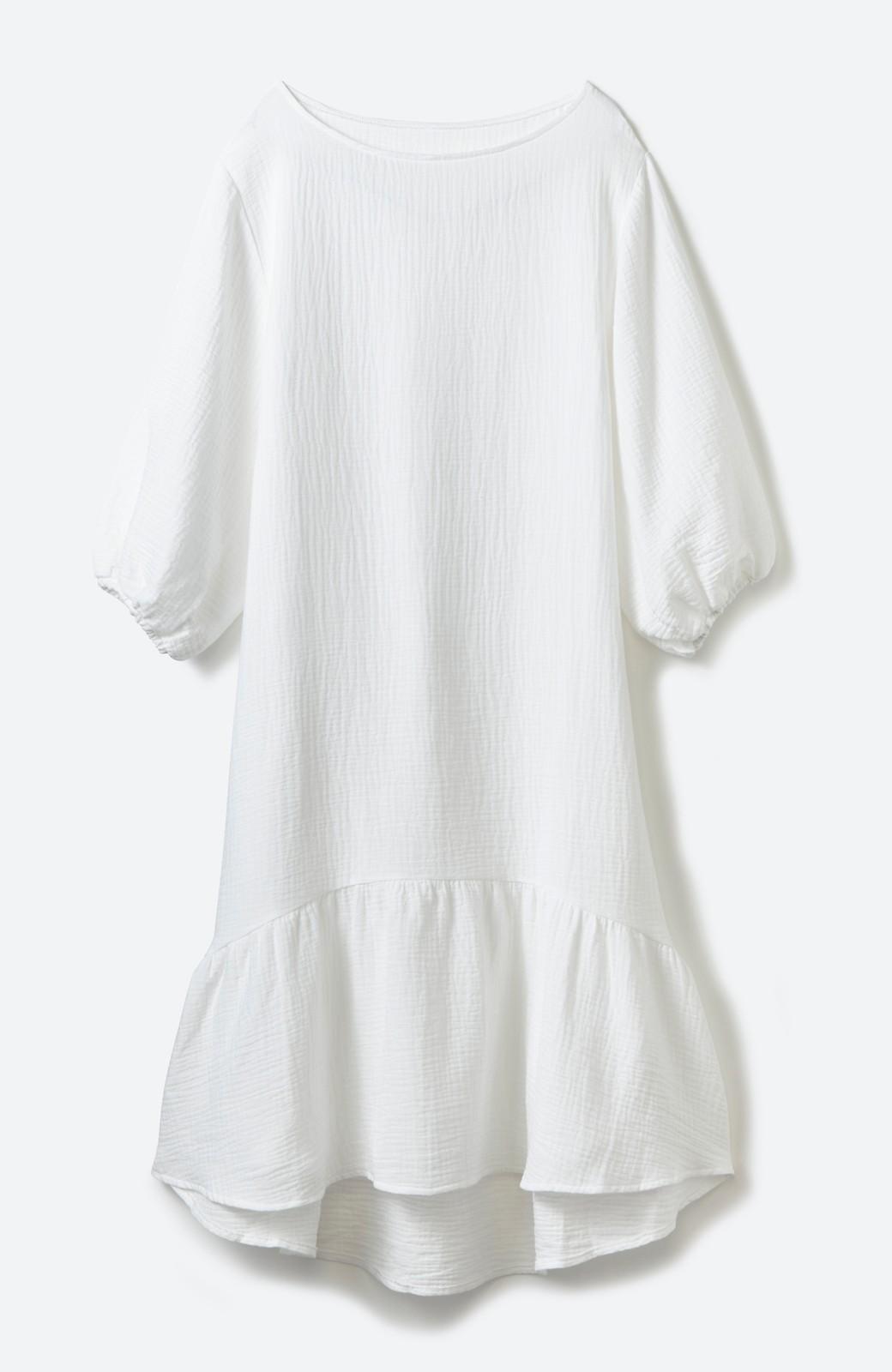 nusy すぽっと着られて着心地さわやか ぽんわり袖ガーゼワンピース <ホワイト>の商品写真1