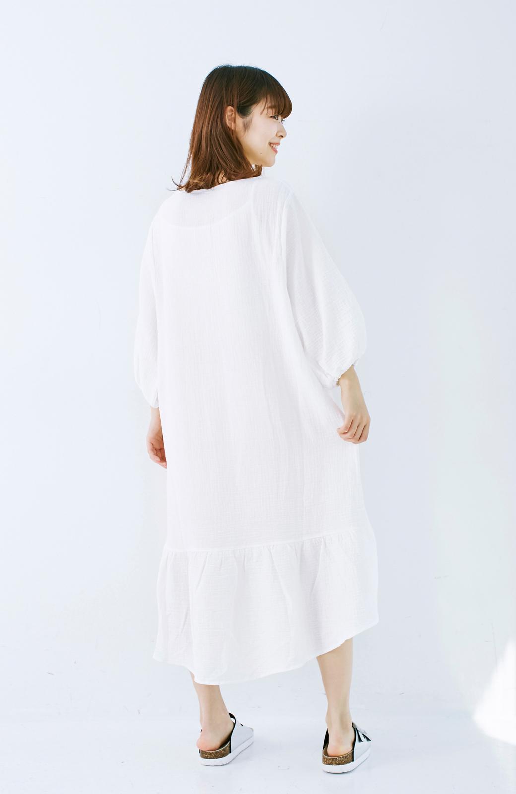 nusy すぽっと着られて着心地さわやか ぽんわり袖ガーゼワンピース <ホワイト>の商品写真14