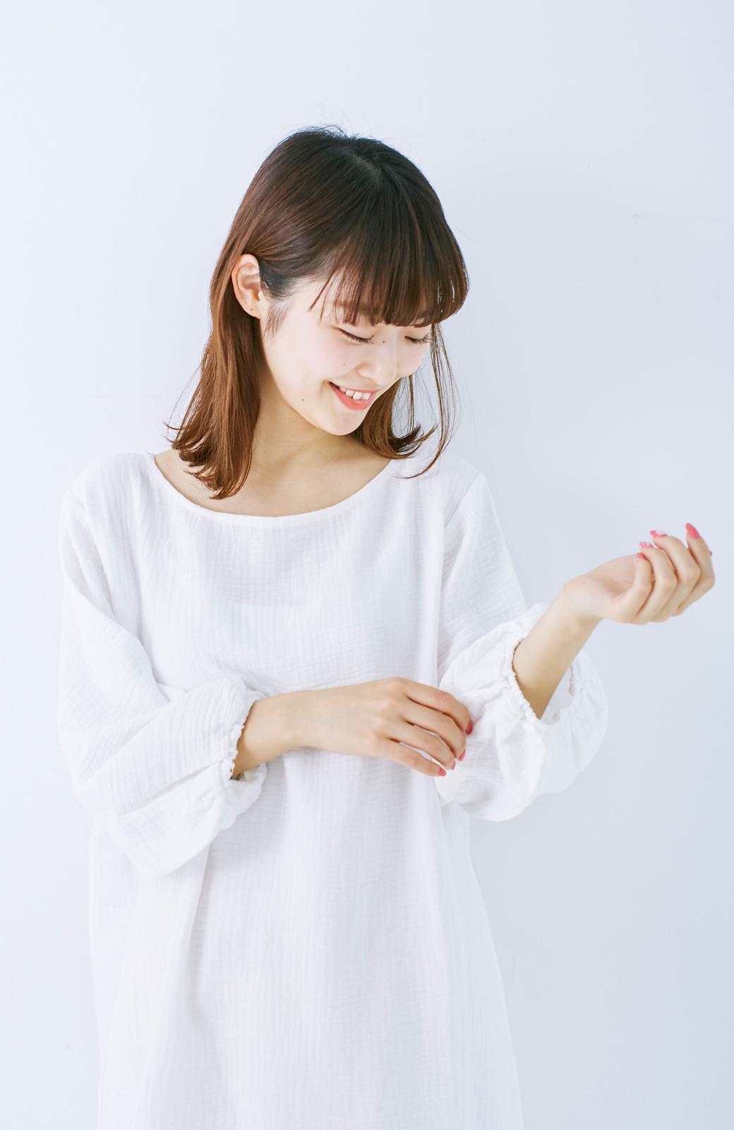 nusy すぽっと着られて着心地さわやか ぽんわり袖ガーゼワンピース <ホワイト>の商品写真15