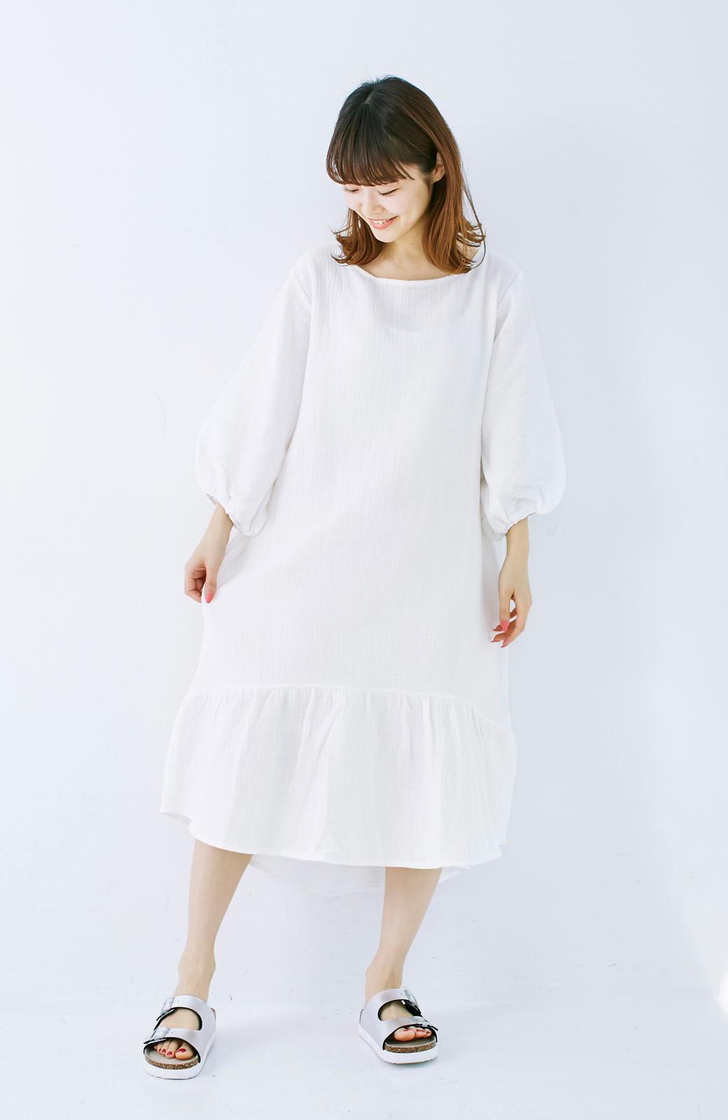 nusy すぽっと着られて着心地さわやか ぽんわり袖ガーゼワンピース <ホワイト>の商品写真5