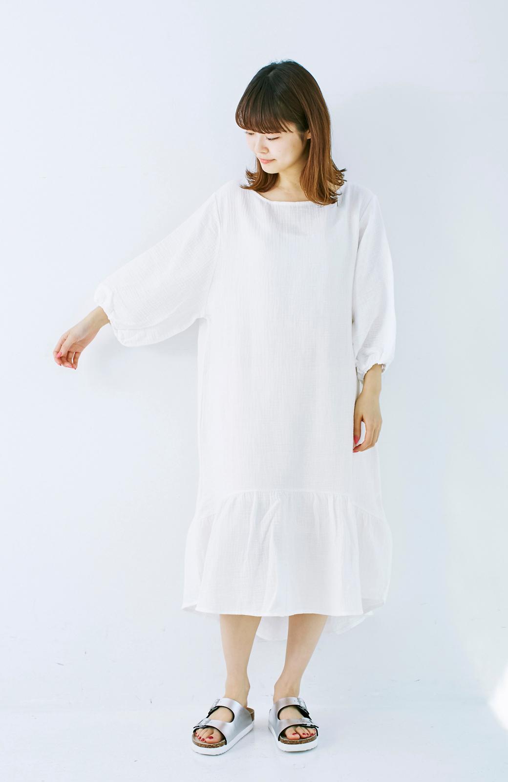 nusy すぽっと着られて着心地さわやか ぽんわり袖ガーゼワンピース <ホワイト>の商品写真7