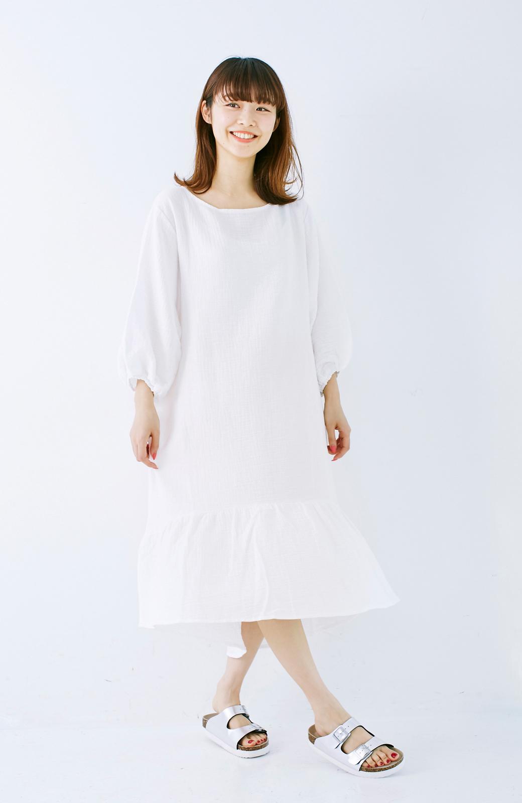 nusy すぽっと着られて着心地さわやか ぽんわり袖ガーゼワンピース <ホワイト>の商品写真9