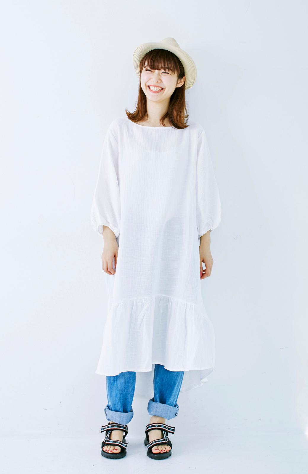 nusy すぽっと着られて着心地さわやか ぽんわり袖ガーゼワンピース <ホワイト>の商品写真10