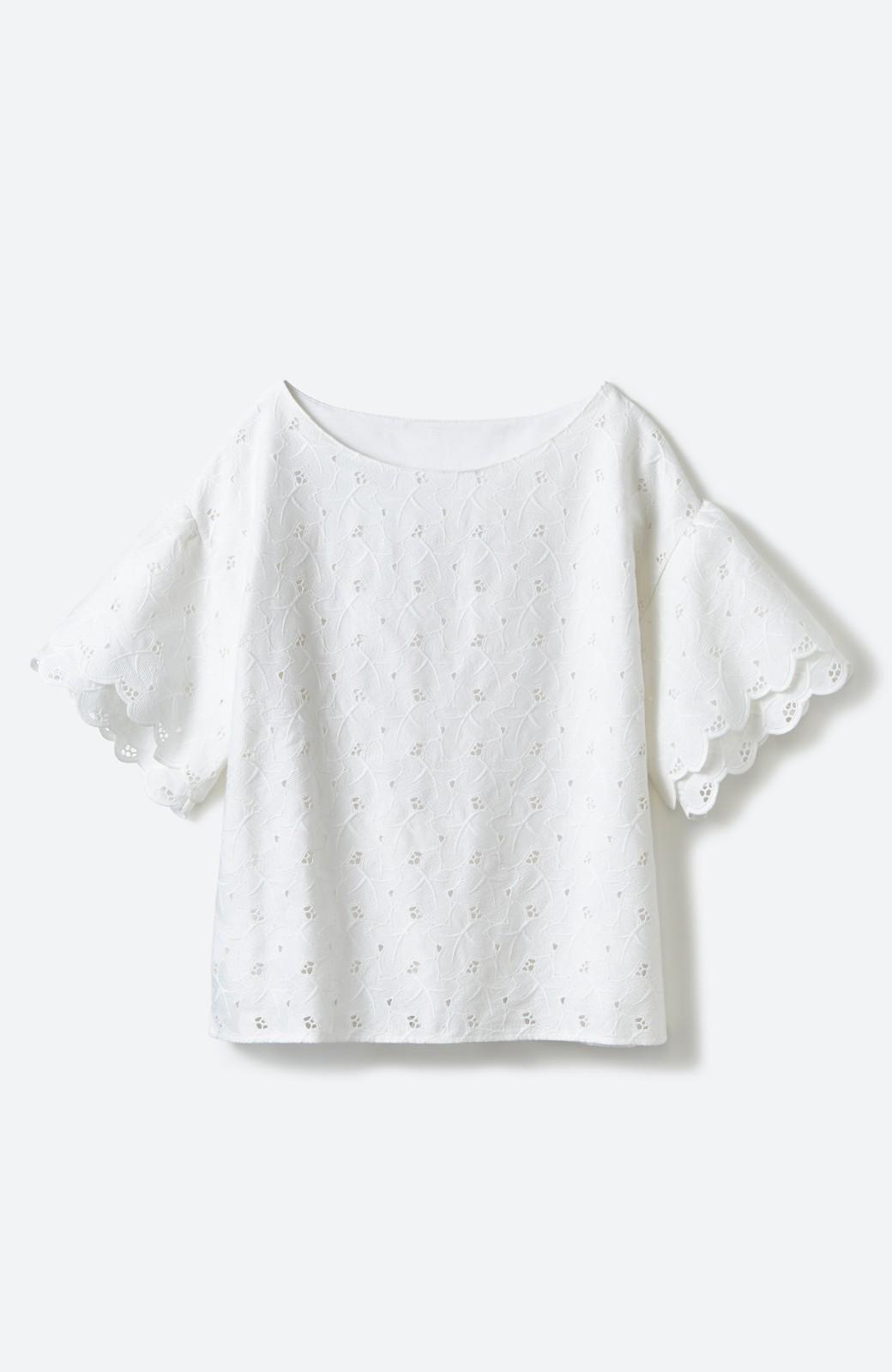 エムトロワ Tシャツ感覚で着られる フラワーレースのティアードスリーブトップス <ホワイト>の商品写真2