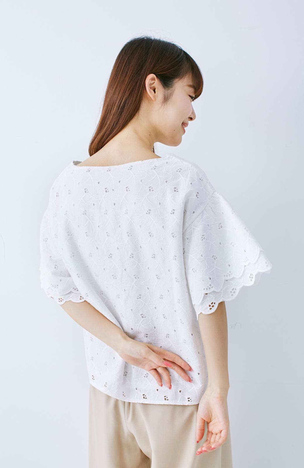 エムトロワ Tシャツ感覚で着られる フラワーレースのティアードスリーブトップス <ホワイト>の商品写真11