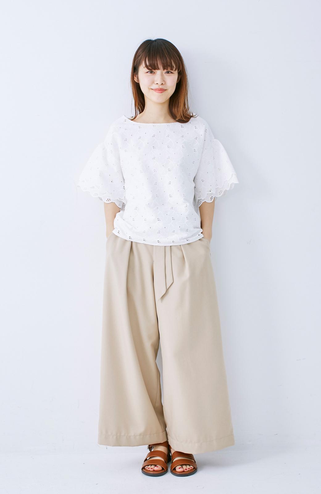 エムトロワ Tシャツ感覚で着られる フラワーレースのティアードスリーブトップス <ホワイト>の商品写真6