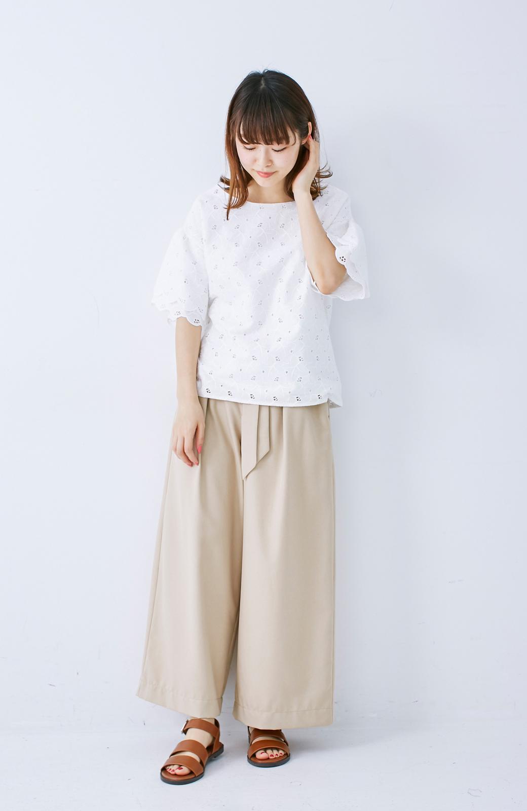 エムトロワ Tシャツ感覚で着られる フラワーレースのティアードスリーブトップス <ホワイト>の商品写真7